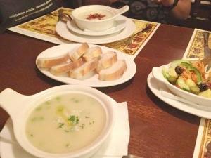 lategora(ラテゴラ)アヤラモール|スープ、ブレッド