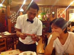 セブ島フィリピン料理 STK|店員