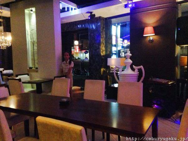 Ola Restobar | MaxwellHotel内の1階にあるオシャレで料理が美味しいバー