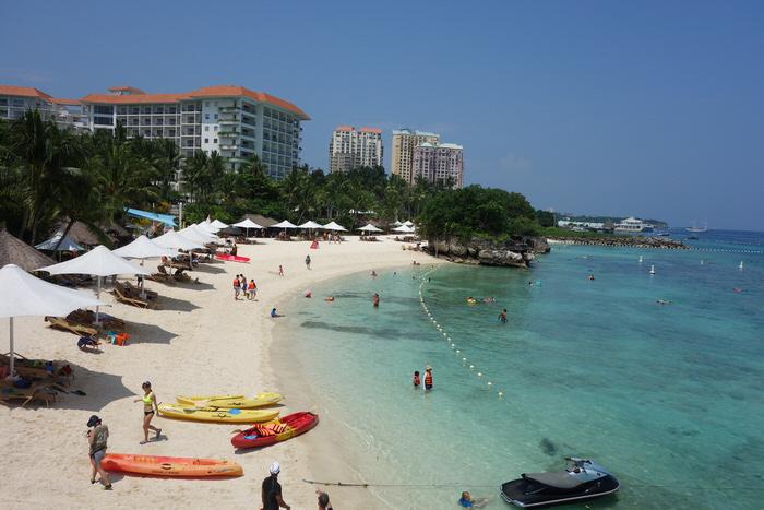 シャングリラビーチリゾートマクタンの写真(部屋・ビーチ・レストラン・ウェディングチャペル)