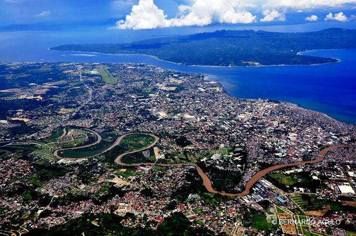 ダバオ市街のパノラマ http://www.panoramio.com/photo/61478382#