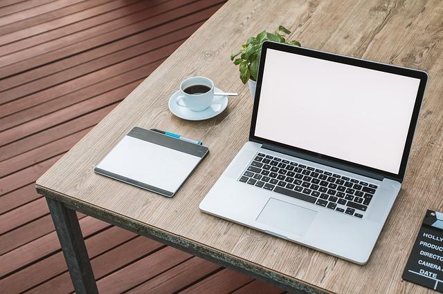 laptop 2443052 640 1