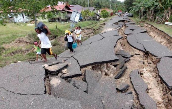880 ilustasi akibat gempa harnascom 696x341 1