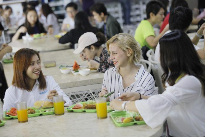 一般の方には自炊より学校の食事・外食がおすすめです