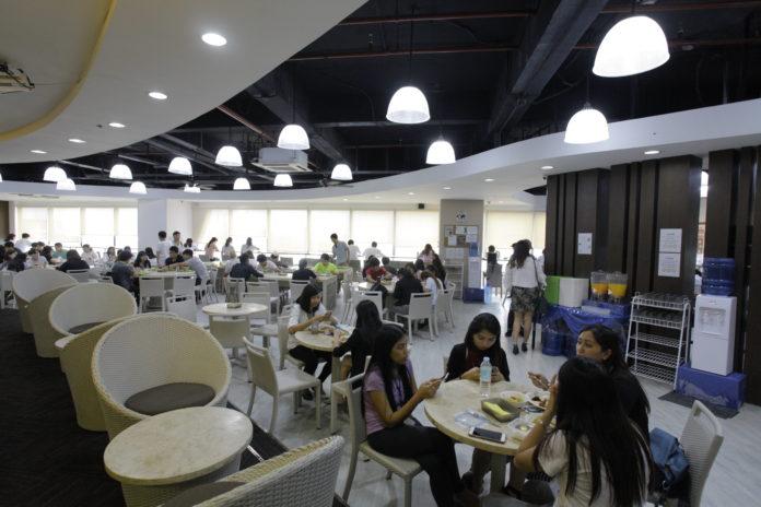 QQEnglishITパーク校の食事