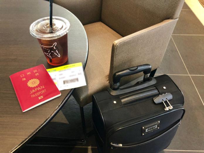 マクタン国際空港に到着してからタクシーに乗るまで